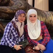 sultan hassanal bolkiah sultan hassanal bolkiah dan mama tersayang azhan co