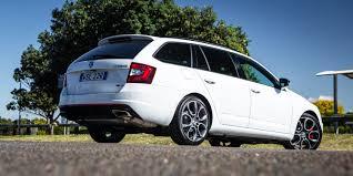 renault megane 2014 rs 2017 skoda octavia rs wagon v renault megane gt wagon comparison