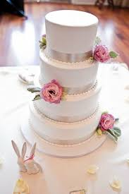 wedding cake ribbon wedding cake with ribbon and flowers wedding cakes juxtapost