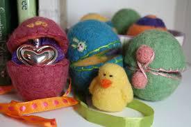 felt easter eggs felting easter eggs free felting pattern tutorial living