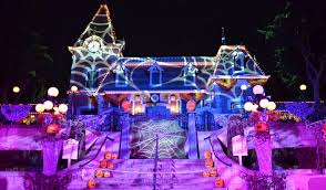 When Do Halloween Decorations Go Up At Disneyland Mickey U0027s Halloween Party At Disneyland The Very Best Tips For A