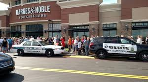 Barnes Noble Chattanooga Security At Ben Carson U0027s Book Signing In Chattanooga Tn Police