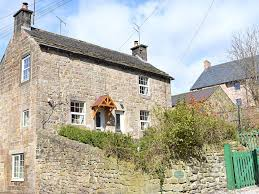 gate cottage by peak district historic cottage in central