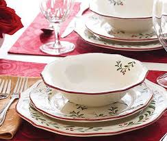 christmas dishes 25 best ideas about dinnerware on christmas