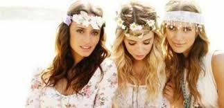 foto hippie figli dei fiori fiori tra i capelli come gli hippies la coroncina 礙 il must di
