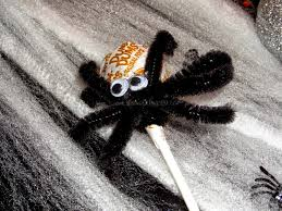 diy pipecleaner spiders easy halloween craft the small things