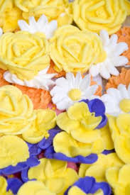 Easy Icing Flowers - royal icing flowers