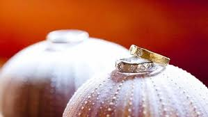 Hawaiian Wedding Rings by Aloha Spirit 101 An Intro To Hawaiian Wedding Traditions Mywedding