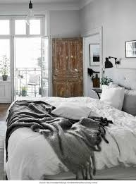 Minimalistic Bed How To Create A Minimalist Bedroom The Good Sheet