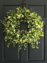 happy at home diy boxwood wreath boxwood wreath hanging