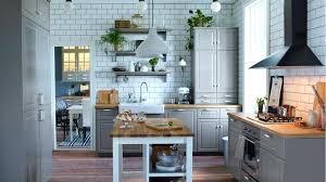 plan de cuisine en bois cuisine grise plan de travail bois meilleures images d newsindo co