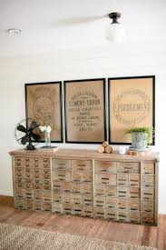 How To Decorate A Side Table by Best 25 Antique Sideboard Ideas On Pinterest Mid Century Modern