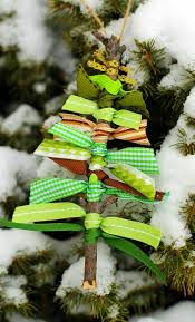 diy tree ornaments using only materials woodz