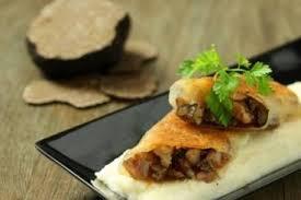 cuisiner des pieds de cochon recette de galette de pied de cochon à l échalote truffe