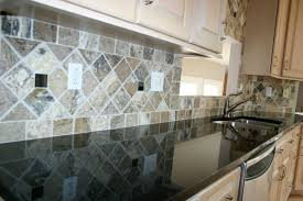Kitchen Backsplash Ideas For Black Granite Countertops by Black Granite Countertops With Tile Backsplash Zyouhoukan Net