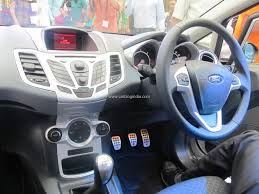 confused between fluidic hyundai verna and ford fiesta 2011