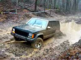 mud jeep cherokee jeep cherokee when good tow points go bad stuck in mud youtube