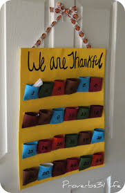 thanksgiving thankful crafts thankful pockets put an item or two in a pocket each day then
