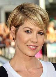 short hairstyles for older women with straight hair hair style