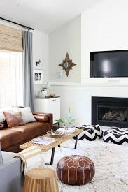 Leather Living Room Decorating Ideas by Best 25 Modern Leather Sofa Ideas On Pinterest Tan Couch Decor