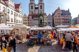 Bad Schmiedeberg Wetter Spektakel Auf Dem Marktplatz Voller Töpfermarkt Bei Tollem Wetter