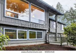 level house split level home stock images royalty free images vectors