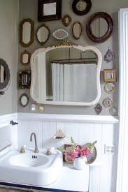 Decorating Bathroom Mirrors Ideas by Best 25 Small Vintage Bathroom Ideas On Pinterest Small Style