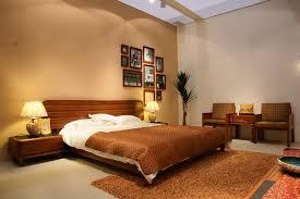 couleur de la chambre à coucher chambre couleur chaude mobilier décoration