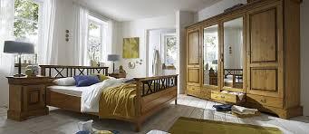schlafzimmer komplett massivholz komplett eingerichtete schlafzimmer aus naturholz