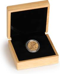wedding gifts elizabeth golden wedding 50th anniversary sovereign gift boxed 419