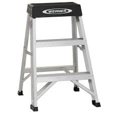 werner 2 ft aluminum step ladder with 300 lb load capacity type