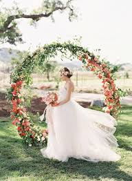 wedding backdrop arch 50 prettiest wedding wreaths decor ideas hi miss puff