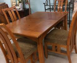 Pennsylvania House Dining Room Table by Used Furniture Gallery