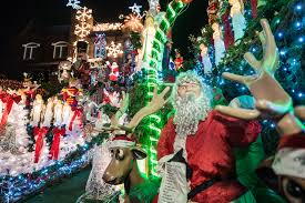 Christmas Decorations Buy New York by Quintessential Nyc Christmas Tours From Holiday Lights To Windows
