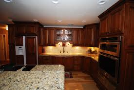 Kitchen Ideas With Cherry Cabinets by Starmark Cherry Cabinets In Butterscotch With Chocolate Glaze