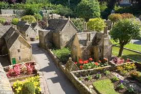 replica model of cotswold bourton on the water built to 1