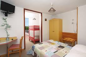 chambre en l chambres familiale à l hôtel la croix de malte la ciotat 13