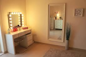 light up vanity table amazing light up vanity table with vanity mirror table with lights