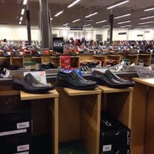 designer shoe outlet dsw designer shoe warehouse 22 photos shoe stores 1122
