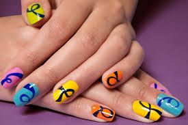 how to create a loopy multi colored manicure teen vogue