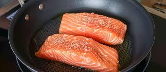 d馭inition de pocher en cuisine techniques appliquées à la cuisson des poissons pocher griller