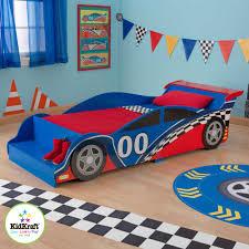chambre voiture garcon lit pour enfant voiture de course
