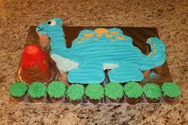 dinosaur cupcakes dinosaur cupcake cake