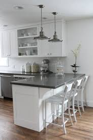 decoration des petites cuisines déco salon amenagement cuisine blanche et gris sol en