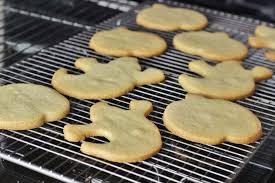Halloween Pumpkin Sugar Cookies - spooky ginger spiced sugar cookies for halloween xameliax