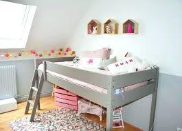 chambre de fille 2 ans lit enfant 2 ans myiguest info