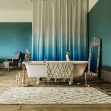 Ombre Bath Rug Bathroom With Clawfoot Tub And Ombre Curtain Also Using Bath Mat