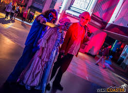 halloween horror nights 2016 scare zones universal studios hollywood halloween horror nights 2016 scare