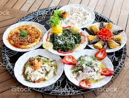 cuisine de turquie la cuisine turque traditionnelle de horsd œuvre sur la table de