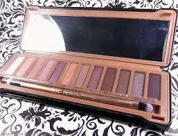 nouveau review crown brush over exposed palette with a